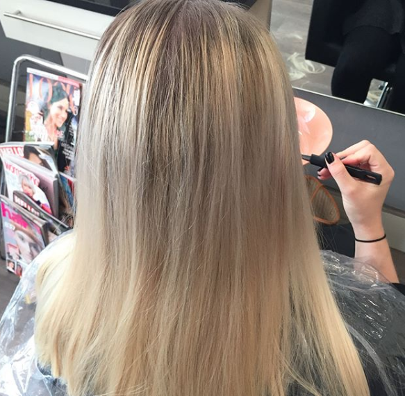 dull blonde hair
